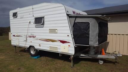 2008 Windsor 442s