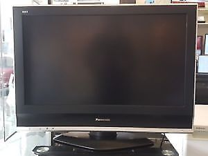 Panasonic Viera 32 in HDTV with remote and cables
