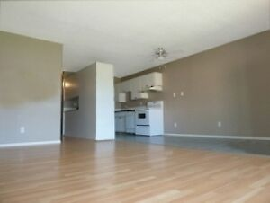 FREE SEPTEMBER Rent - Edmonton, Clareview Area - Female