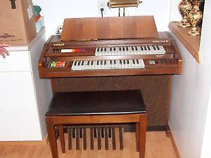 Hammond Electric Organ with matching bench