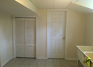 Room on upper mountain of Hamilton for rent