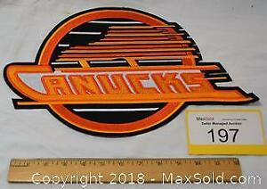 VANCOUVER CANUCKS large embroidered hockey jacket crest.