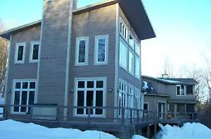Magnifique maison LAURENTIDES pour l'hiver/Winter rental