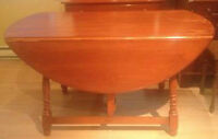 VILAS MAPLE DINETTE TABLE