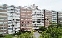 $915 - FORT HOWE 2 BDRM, BALCONY, 8TH LEVEL, LARGE ROOMS