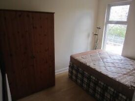 Double room to rent for three months.