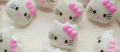 Lot de 10 boutons HELLO KITTY