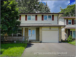 4 bedroom detached house in the heart of Bowmanville