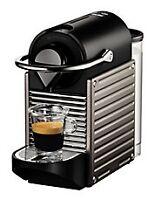 Tres belle machine machine Nespresso, comme neuve, avec boite