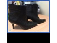 Next ankle boots, size 3, black (Used)