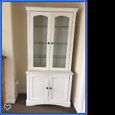 Painted Dresser - A Good Renovation Project