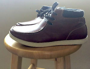 New Aldo Men's Chukka Boots Shoes Usually Sell for $80!