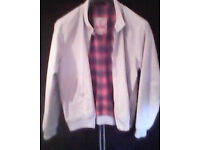 BARACUTA HARRINGTON. MEDIUM SIZE 40. 1 WHITE/ 1 BLUE. G9 CLASSIC.