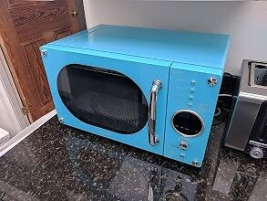 800W Retro microwave over, Daewooin Shepherds Bush, LondonGumtree - 5 power control levels 4 Auto cook programmes Zero standby ECO function 10 inches(255mm) turntable Reminder End Signal Auto Defrost Good condition, collection only