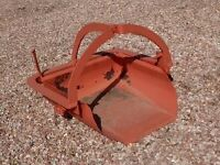 Bucket for tractor three point hitch