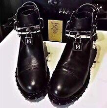 Hong Kong branded shoe