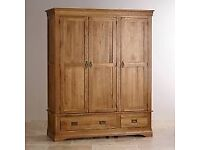 WANTED LARGE OAK WOODEN WARDROBE SIMILAR TO PHOTO IN EXCELLENT CONDITION