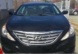 2011 Hyundai Sonata MOON ROOF Sedan Excellent condition