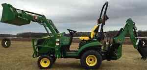 JOHN DEERE COMPACT TRACTOR 1025R w/ backhoe and Trailer 22hrs