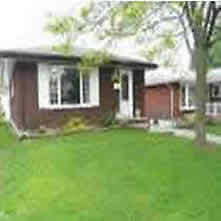 23 Arrowhead Cres-Large Three Bedroom Bungalow