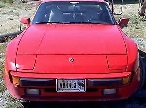 1987 Porsche 944 Coupe (2 door)