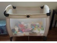 Graco foldable travel baby cot *reducded*