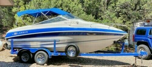 BEAUTIFUL 21 foot 1995 Larson Boat, Well Maintained, Comes with Extras