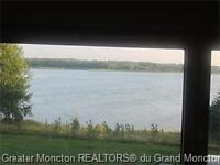 Beautiful Private river front..Retreat or Great Summer Rental..
