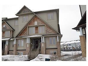 2 Bed 3 Bath Upper Enit Unit Townhouse in Orleans