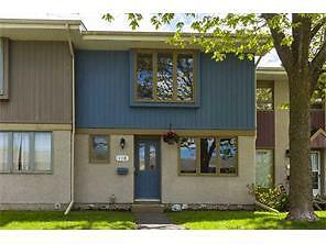 Beautiful Bright 3 Bdrm Townhome in Prestine West End location