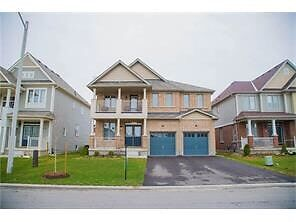 Detached 3 years old house for rent avalible in Niagrafall