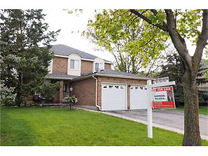 Beautiful Renovated Home in Kitchener