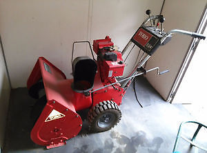 """Toro 24"""" snowblower working good with electronic stater"""