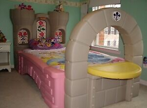 Little tikes princess castle bed