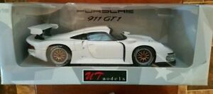 *** PORSCHE 911 GT1 METAL MODEL 1:18 Scale Toy Car ~ 1996