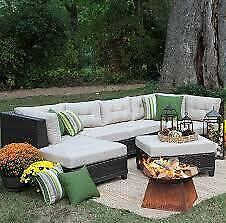Madison Avenue Patio Sectional with Cushions NEW ** 5 CORNERS FURNITURE **
