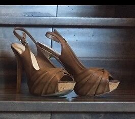 Also strappy heels size 37 (fit like a 6-6.5)