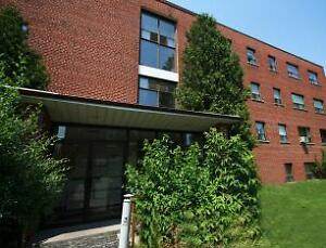 Parklawn and Hillheights: 2 Hill Heights Road, 1BR