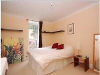 Stunning 2 bed flat in popular Clapham