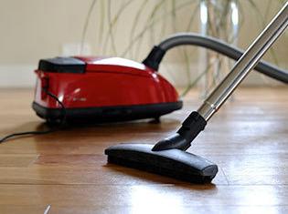 Refurbished Floor Cleaners & Irons