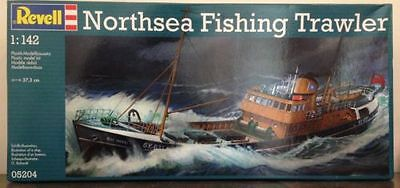 Revell 05204 1/142 North Sea Trawler Plastic Model ship Kit in the box