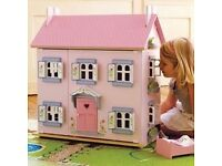 Dolls house with full accessories