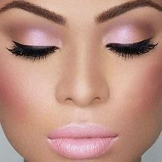 MAKE UP ARTIST AT YOUR HOME BEST PRICES!!! West Island Greater Montréal image 5