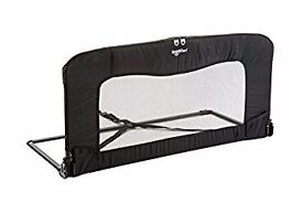 BabyDan Bed guard - great condition. Superb for cot to bed tranaition and holidays.