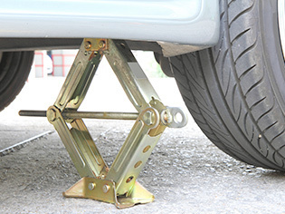 Jacks & Axle Stands