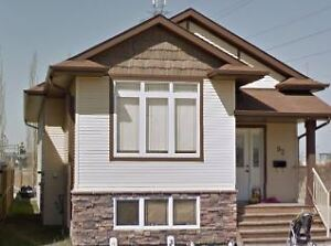 2 Bed, 1.5 Bath 92 Vickers Close $1295.00 Avail October 1st