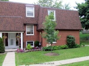 Great Location! only 10 minutes to Downtown London. London Ontario image 1