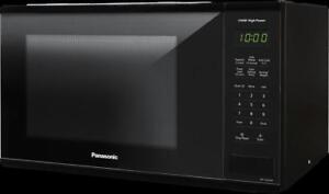 Micro-ondes de comptoir 1.3 pi3 Noir Panasonic ( NN-SG616B )