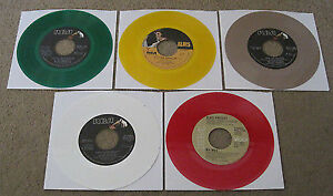 Elvis-Presley-Set-of-5-Colored-Vinyl 45s from the 70's in Mint