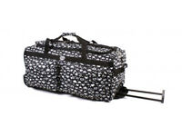 "Womens Hearts Large Hand Luggage Wheeled Travel Bag (Black) (18"", 20"", 26"", 30"") (20)"